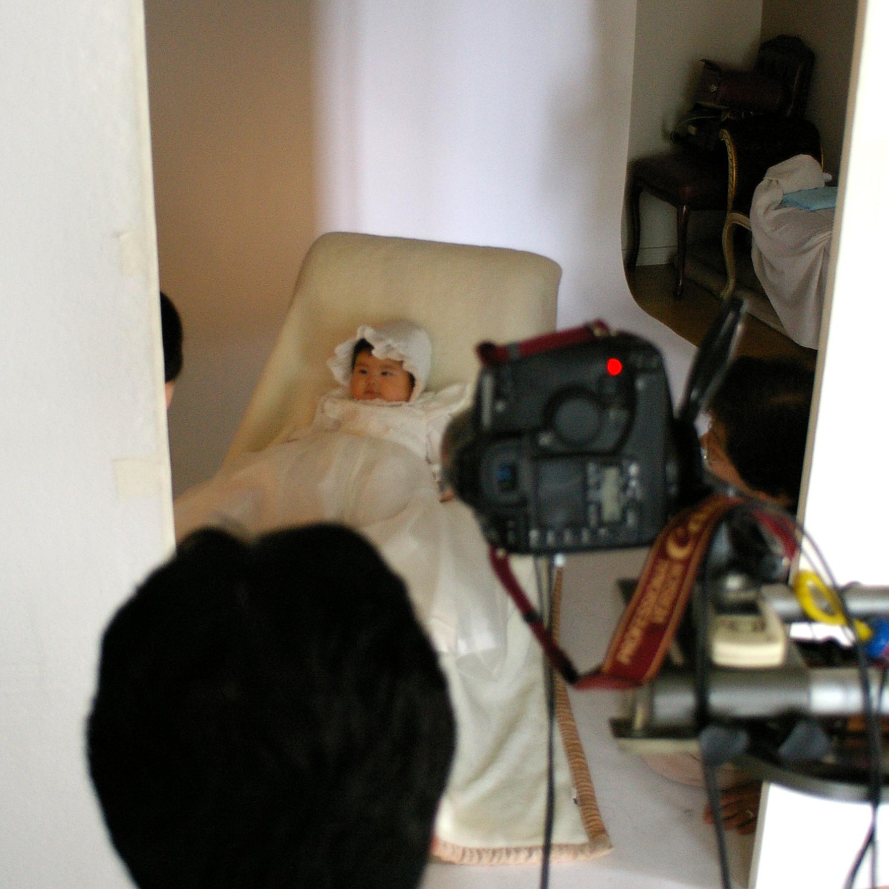 泣いてぐずっての百日写真撮影だったけど、やっぱりプロの撮る写真はいいね♪
