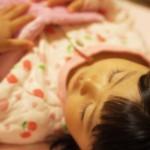 子供のかわいい寝顔や寝ている姿を写真や動画などの画像に収めたい!